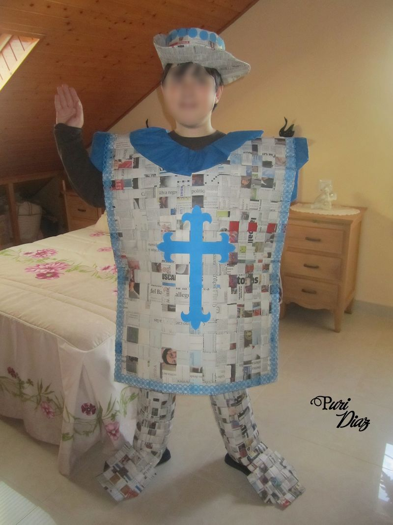 Manualidades Puri Diaz: Disfraz de Mosquetero hecho con periódicos