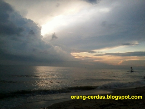 ORANG CERDAS SMART PEOPLE Foto Panorama Pantai Utara