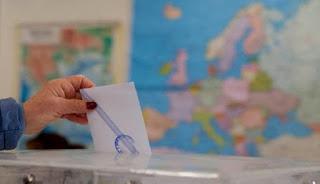 Πως κατανέμονται οι έδρες των κομμάτων στην «καινούρια» Β' Αθηνών – Το νέο «εκλογικό μέτρο»