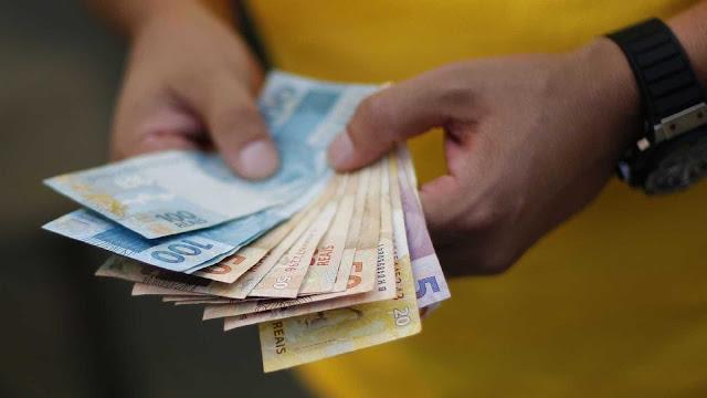 Resultado de imagem para Ex-vereadores são acionados para devolverem dinheiro recebido ilegalmente