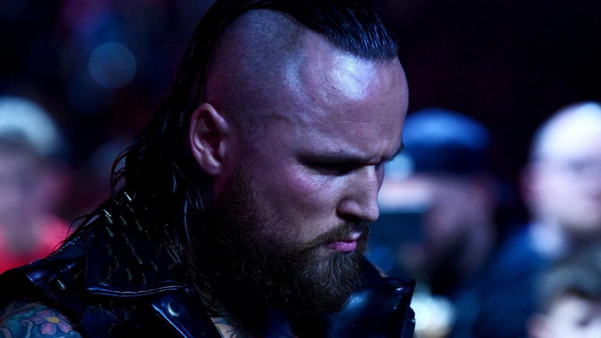 Novos combates são anunciados para o RAW desta noite