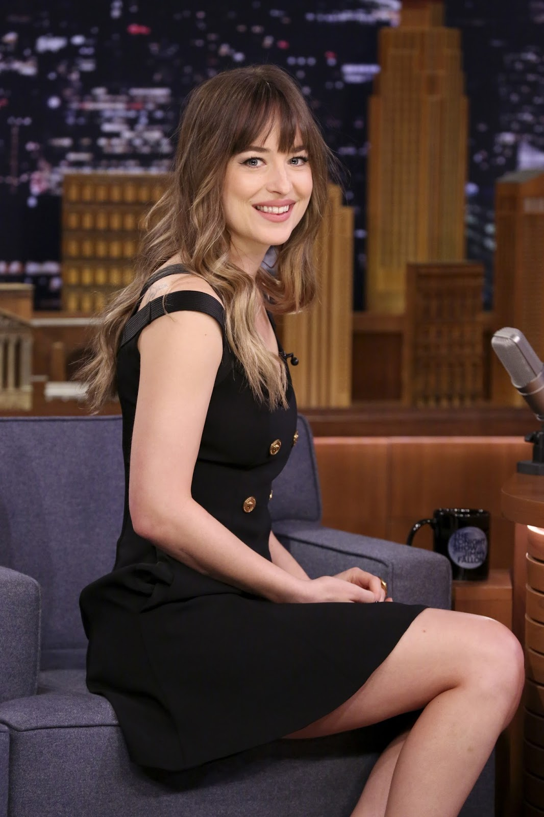 Fifty Shades Updates: HQ PHOTOS: Dakota Johnson on Jimmy ...