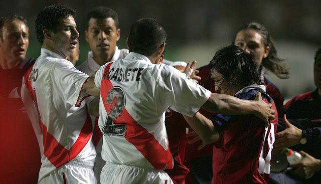 Perú y Chile en Clasificatorias a Alemania 2006, 17 de noviembre de 2004