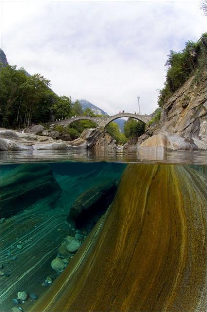 Sungai+Terjernih+Di+Dunia+(11).jpg