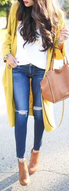 fall casual style inspiration / white top  + skinny jeans + boots + bag + cardi