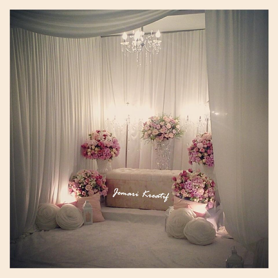 Morning wedding stage decoration  Nor Fadhilah dhilahhoyee on Pinterest
