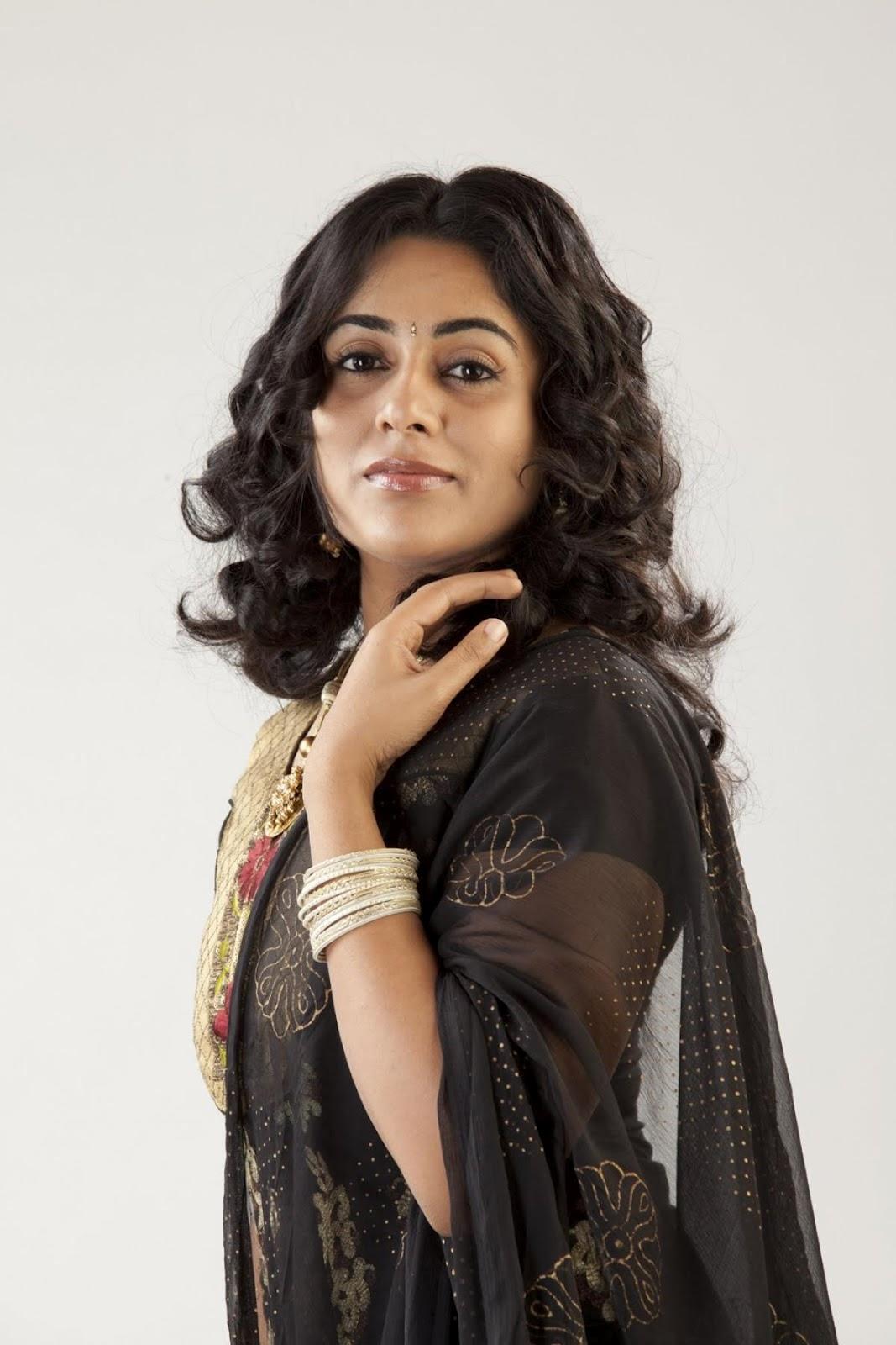 Hjjjjjjjjjjjjjjjjjjjjj: Lakshmi Mennon New Cute Photos