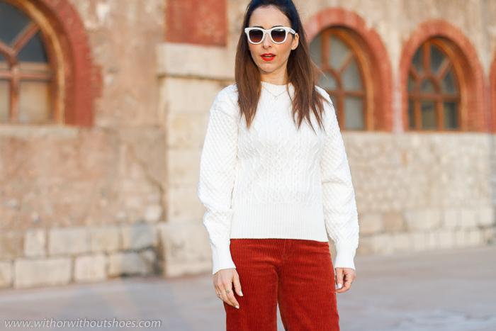 Prendas 3D sin costurasShima Seiki : Un jersey blanco con ochos precioso