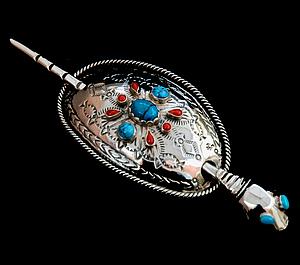 Silver hairpin by trouwringen designer Zhaawano Giizhik