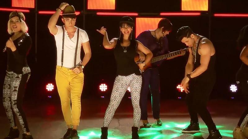 Orquesta Anacaona Ft. Ángeles - ¨Salir a bailar¨ - Videoclip - Dirección: Manuel Ortega. Portal Del Vídeo Clip Cubano - 08