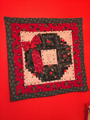 #millsnewhouse, Christmas decorating, Christmas wallhanging