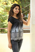 Karuna photos in jeans-thumbnail-13