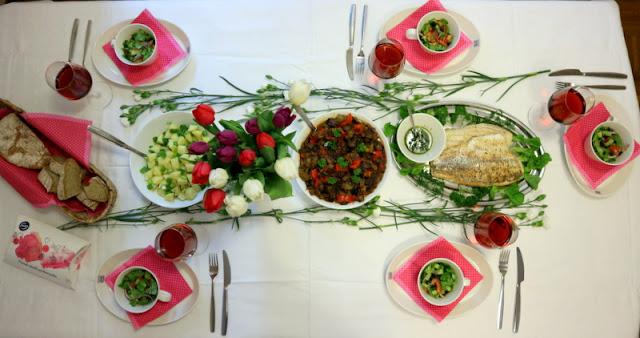 Kolmen ruokalajin illallinen perheelle