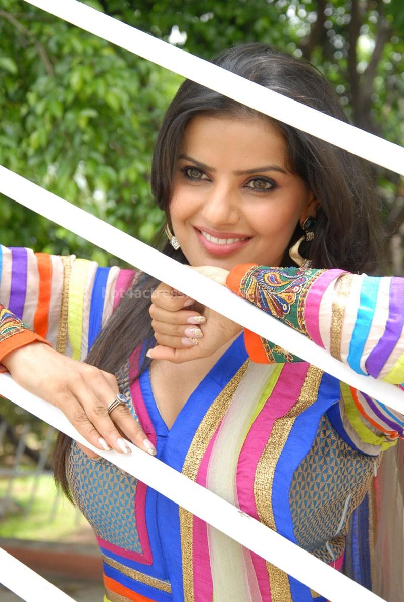 Madhu sharma latest stills