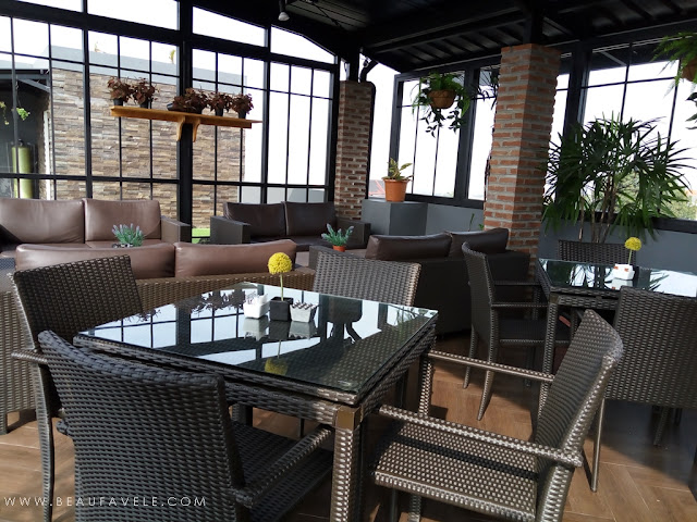 Sarapan di 81 Sky Resto Kytos Hotel