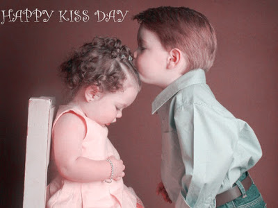 Happy Kiss Day Whatsapp DP