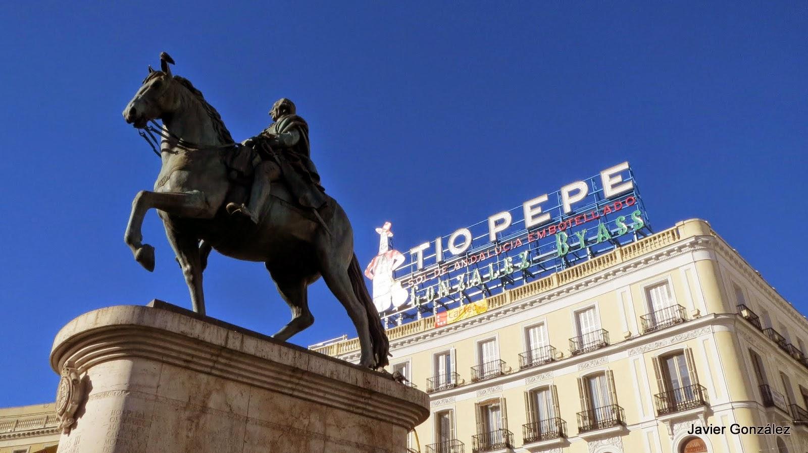 estatua ecuestre de Carlos III