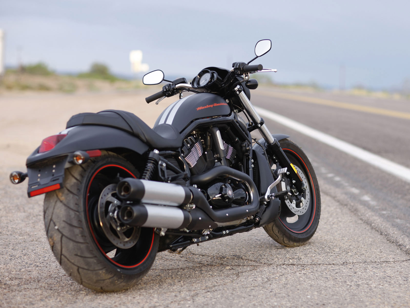http://2.bp.blogspot.com/-Uj0753XhkH0/UdspIH_n3oI/AAAAAAAACR4/FxkpkMmtVlo/s1600/Harley-devidson-sport-bike-high-definition-wallpaper.jpg Cool