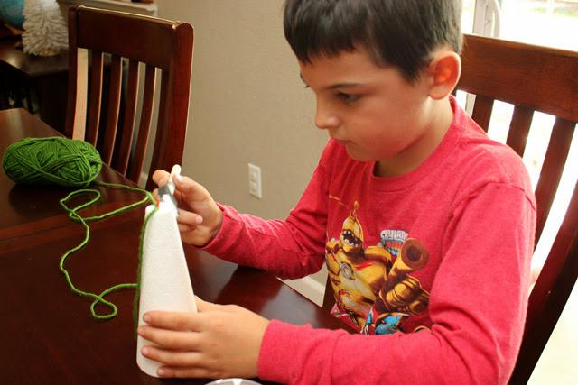 Making+Yarn+Wrapped+Christmas+Trees Kids Craft: Yarn Wrapped Christmas Trees 17