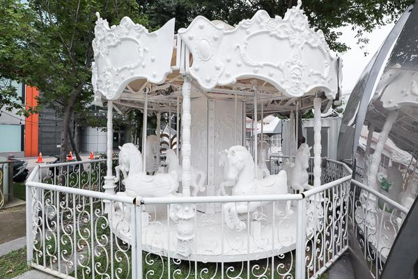 台中草悟廣場秘密LOVE園,情侶告白遊LOVE園,純白親子樂園