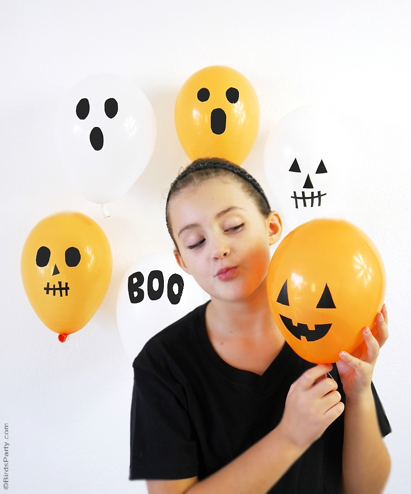 DIY Halloween Balloons with Black Electrical Tape | BirdsParty.com