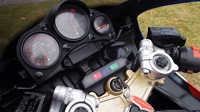 Honda VF1000R HD Photos