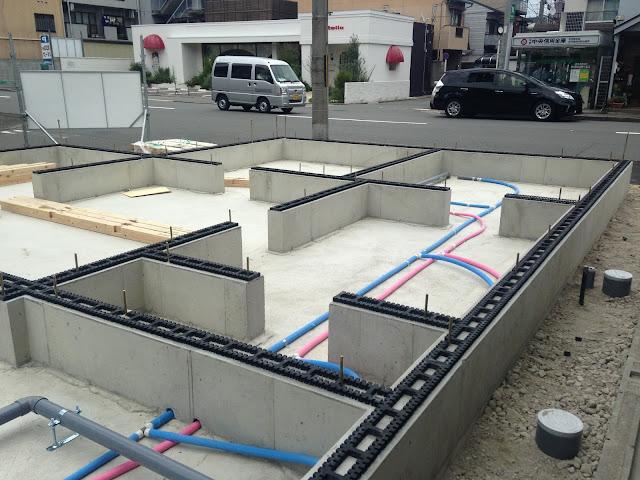 大工さん土台敷き