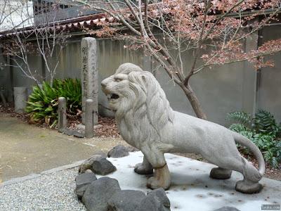 坐摩神社獅子