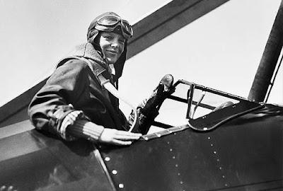 Amelia Earhart en Avión