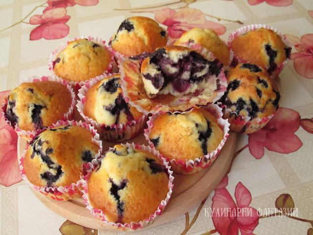 Мъфини с боровинки и глазура