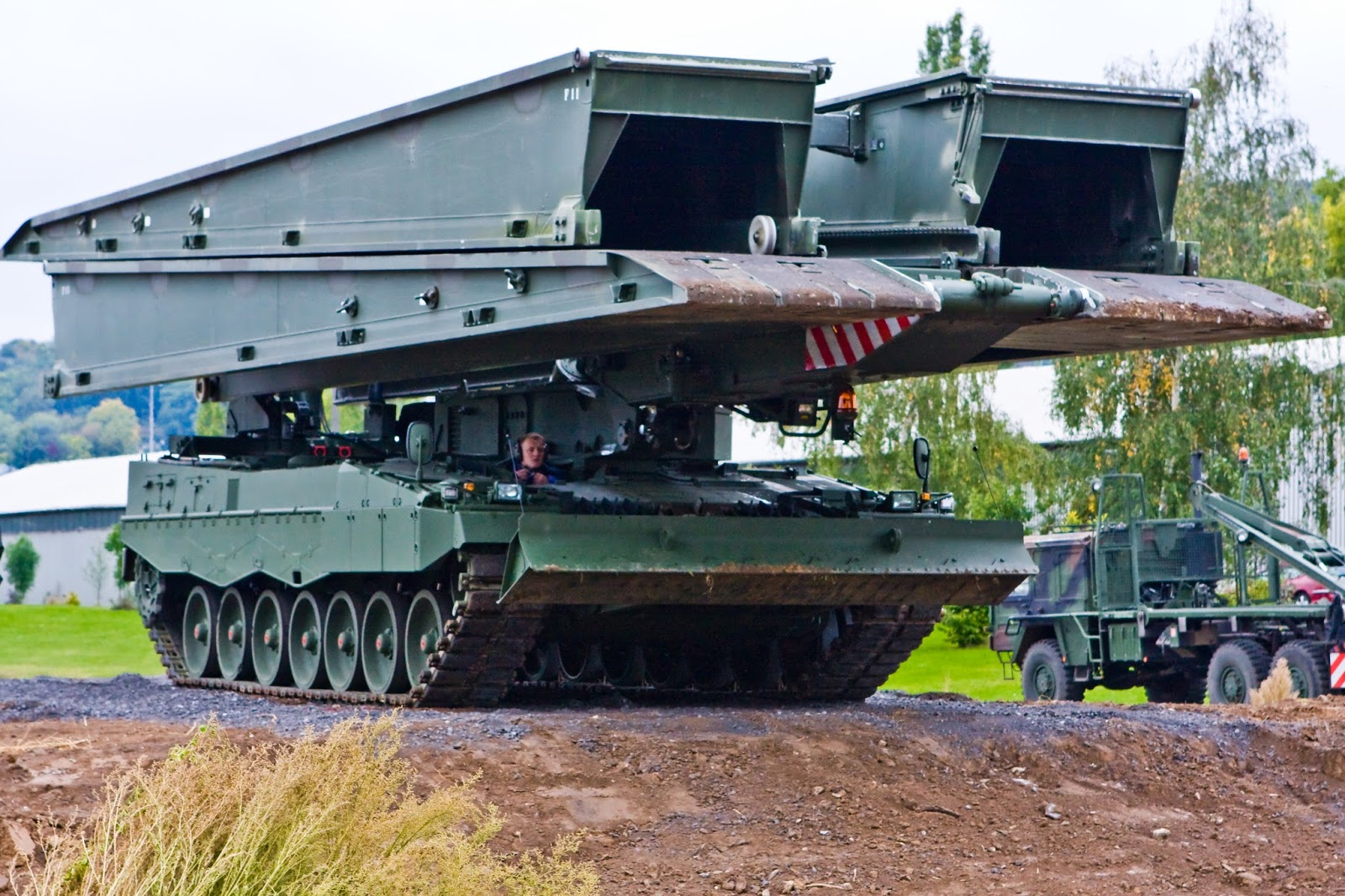 Full Frame: Singapore's Leopard 2A4 And The Great German