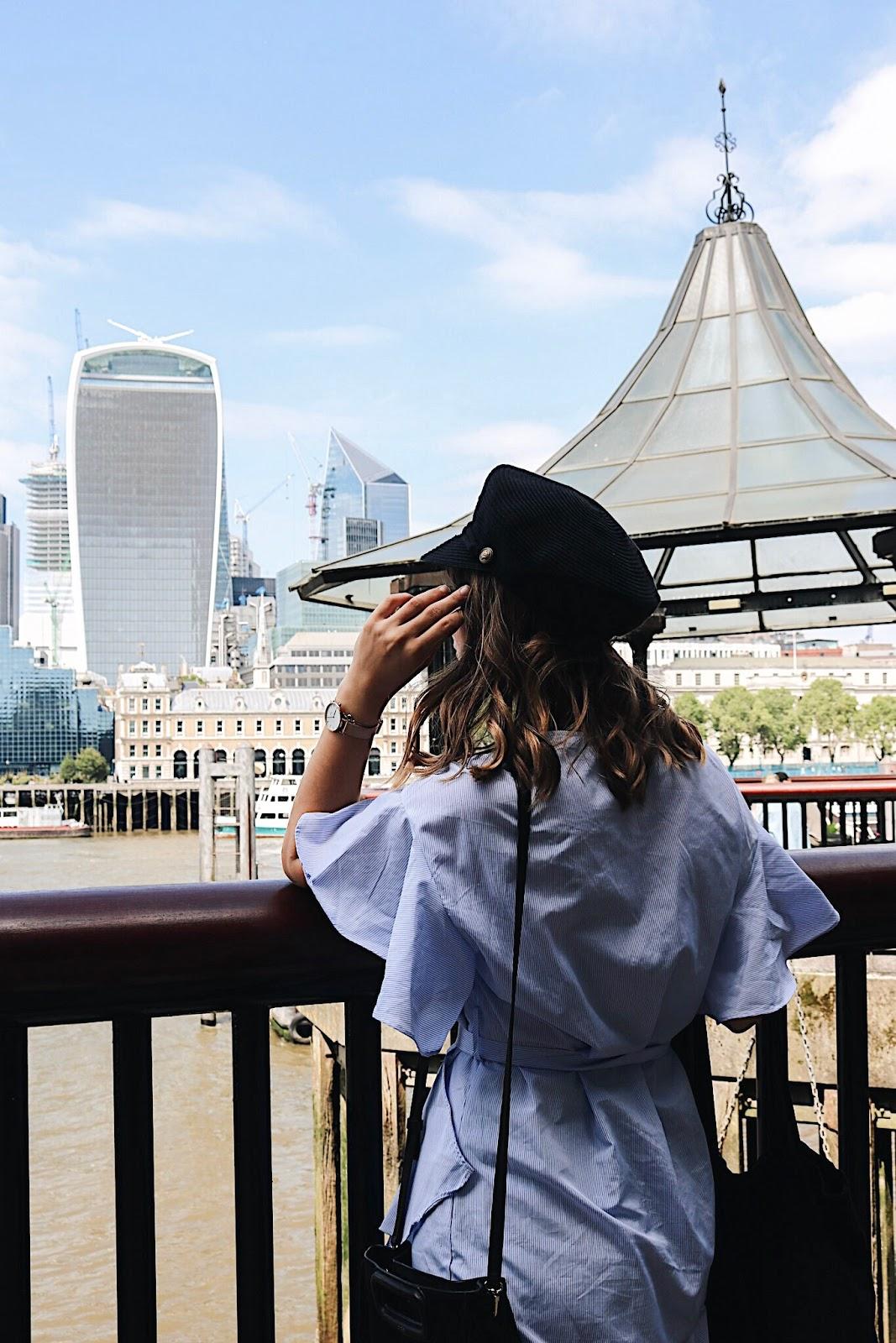 pauline-dress-blog-mode-deco-lifestyle-travel-voyage-europe-londres-angleterre-idees-visites-parcours-touristique-instagram-instagrammable-lieux-city