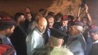 حداد في الأردن بعد مقتل وجرح العشرات في سيول الأردن في منطقة البحر الميت غرب الأردن