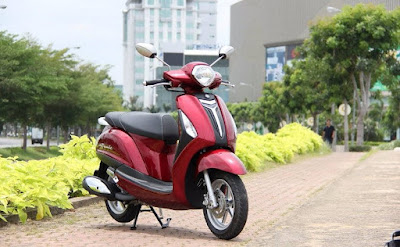 New 2016 Yamaha Nozza Grande 125cc Scooter red color Hd Wallpapers