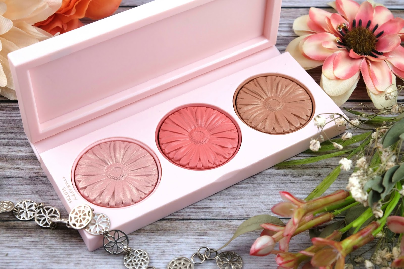 Clinique | Cheek Pop On-The-Glow Trio Palette: Review and Swatches