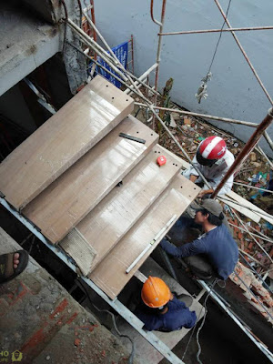 thi công các bậc thang gỗ toàn khối phải đúng cách