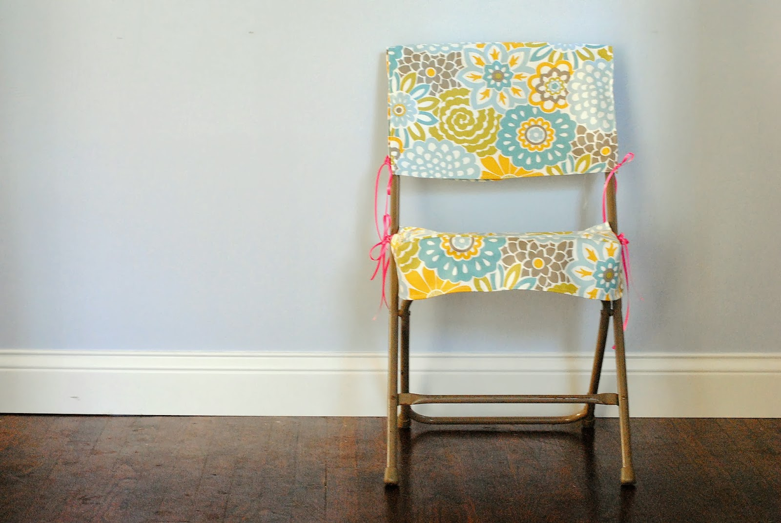 diy: folding chair slipcover