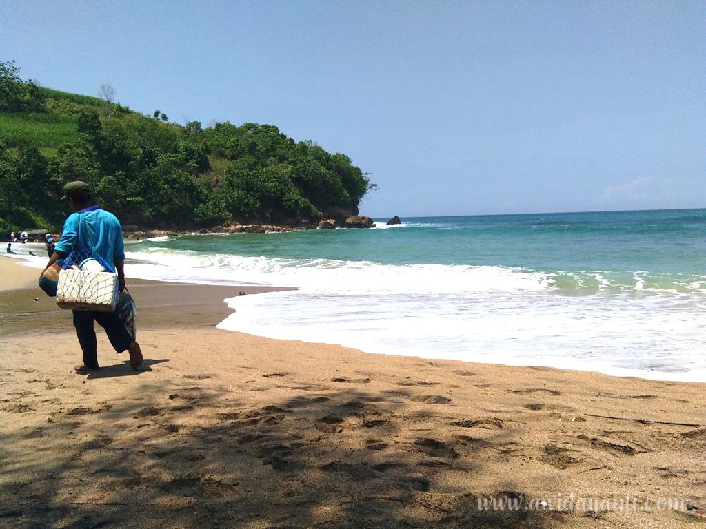 Nelayan Pantai Pangi