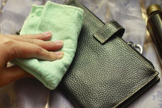 How To Remove Oil Stains From Leather Bags