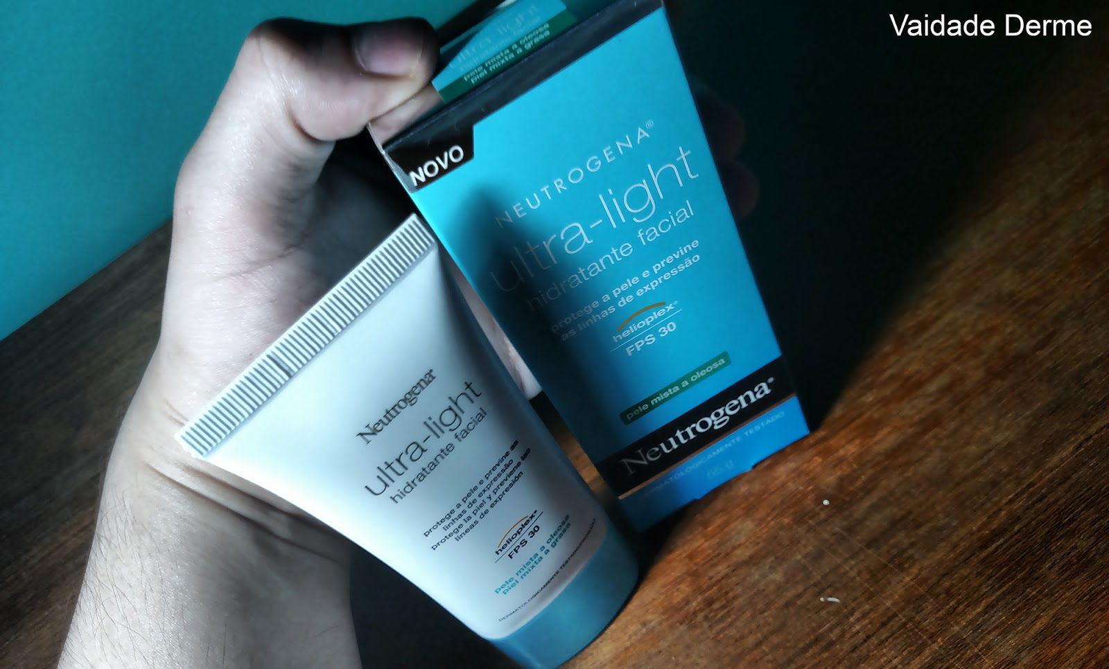 Neutrogena Ultra Light Pele Mista a Oleosa Hidratante Facial FPS 30