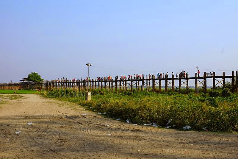 The total length of the U Bein Bridge is 1.2 kilometers.