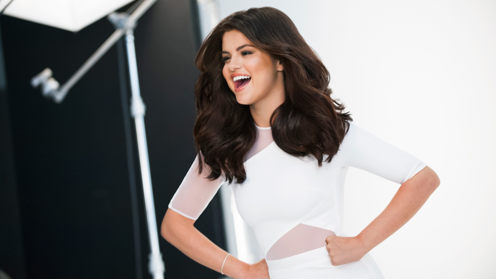Selena Gomez Hd Wallpapers Most Beautiful Places In The