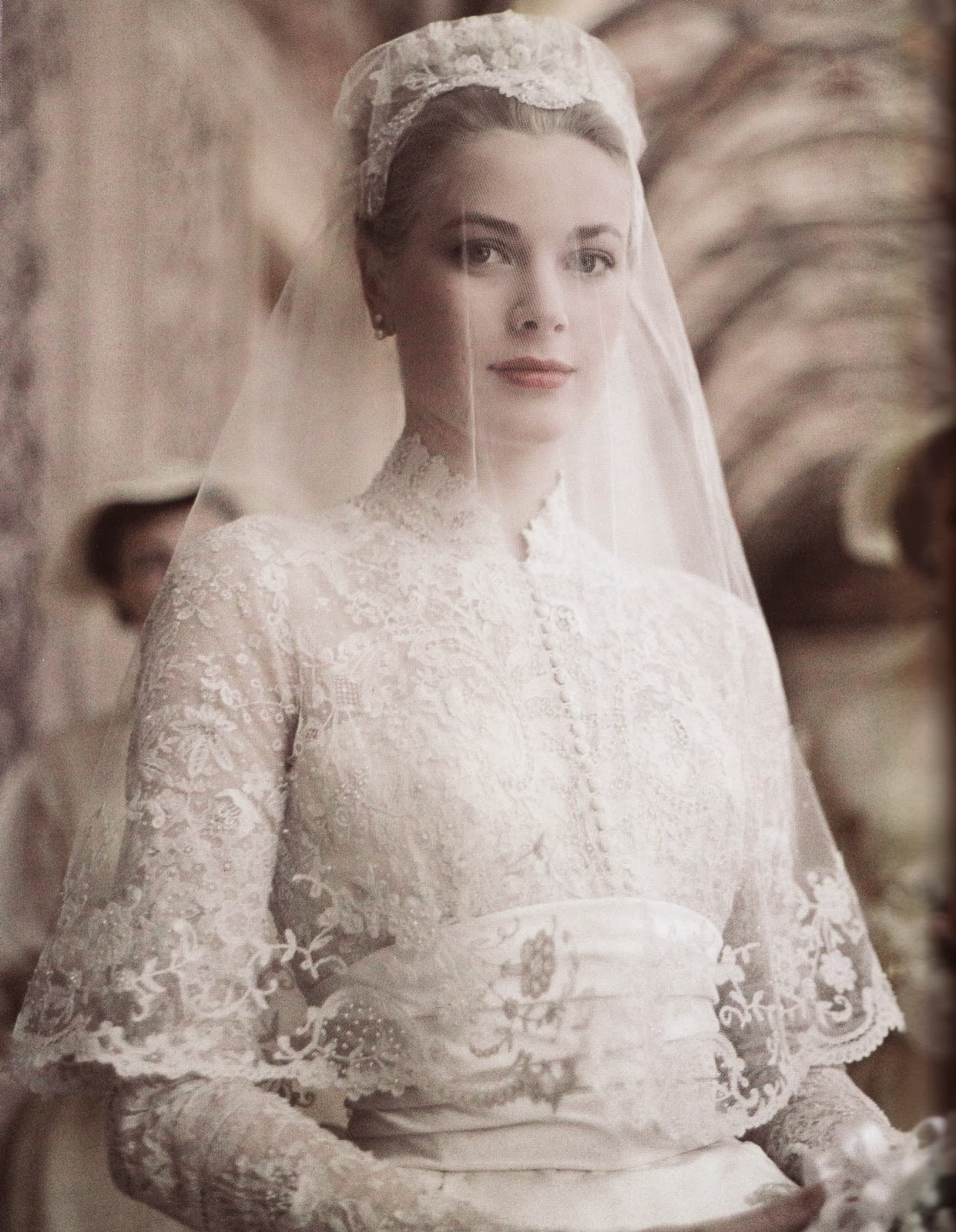 a guide to vintage lace wedding dresses 2 antique lace wedding dress Princess Grace in s vintage lace wedding dress A guide to vintage lace wedding dresses