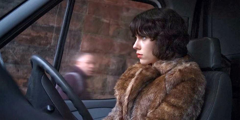 Scarlett Johansson în rolul unui prădător extraterestru din Unde The Skin