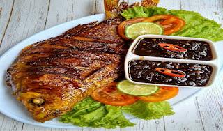 https://rahasia-dapurkita.blogspot.com/2017/11/resep-membuat-masakan-ikan-mas-bakar.html