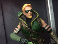 Toy Fair 2017 Mezco One:12 Collective DC Comics Green Arrow
