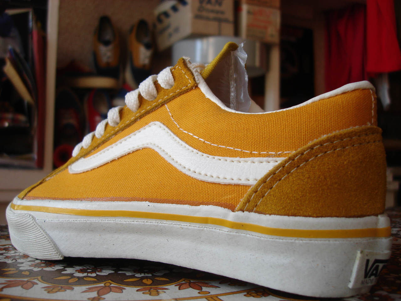 6a91be5000edc9 vintage vans style  36 old skool mustard suede canvas made in usa circa  1990 new in box. US5 UK4.5