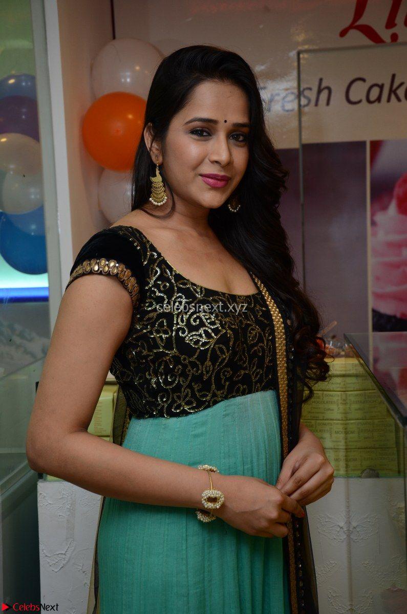 Abha Singhaal in beautiful Black and Green Anarkali Dress Spicy Pics