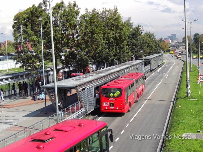 Modelo de ônibus TransMilênio em Bogotá