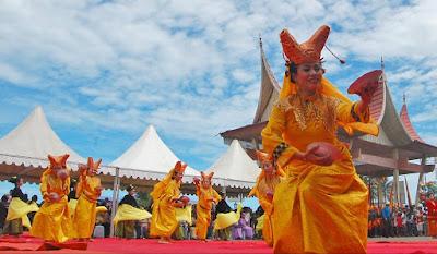 Nama Provinsi di SUMATERA: Ibukota, Bahasa, Suku, Pahlawan, Lagu Daerah, Rumah Adat, Pakaian, Tarian, Senjata dan Peninggalan Sejarah